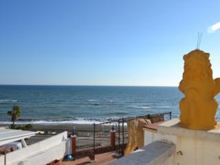 Casa de playa con encanto medieval en Chilches
