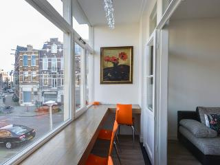 Fountain view luxurious apt+garden close to centre, Amsterdam