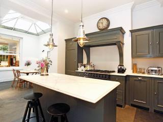 Nice Apartment in townhouse, Canterbury
