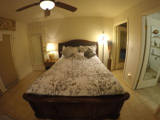 Executive Master Suite W Private Entrance/Private Bath w/ dual Shower heads AC
