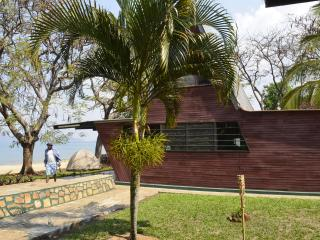 Area 3 Cottages (Private Beach Front Rental), Mangochi