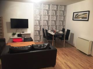 Drimnagh Dublin 12 - 2 Bed beside Blackhorse Luas, Dublín