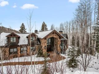 Strawberry 833, Sleeps 14, Avon