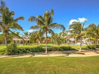 Arrecife Estate 24/25, Sleeps 20, Punta Cana