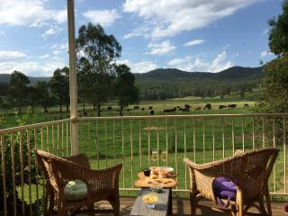 Tilbatilla - beautiful home on Hunter Valley farm, Wollombi