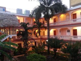 E un piccolo complesso immerso in un bel giardino, Boca Chica