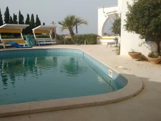 Ocean View With a Pool - 5 Bedroom House, Cesarea