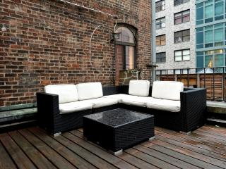 Duplex 5BR/3BA with Terrace in Midtown East for 14, New York City