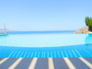 Villa Clio , 3 bedroom luxury villa with pool, Lindos