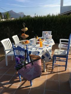 Desayuno en el jardín privado