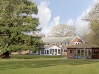 Large House, near beach West Wittering, Sleeps 17,