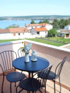 Apartment YELLOW Porat - sea view