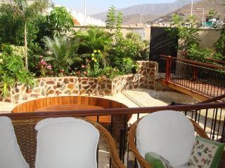 Villa with heated pool, 3 bedrooms, Costa Adeje
