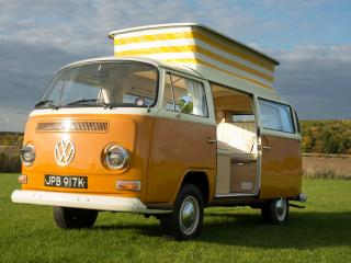 1971 VW T2 Bay Campervan Betty - Devon Moonraker