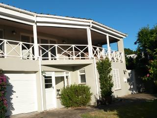 Leisure Isle, Knysna, Garden Route, S.A. Modest 3 Bedroom holiday home