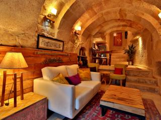 Stylish Cappadocian Cave Hotel - 1double room, Ortahisar