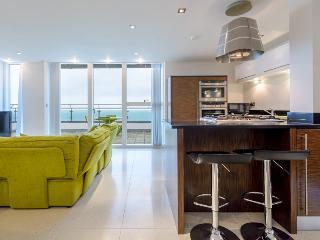 37 Rocklands Penthouse lounge/kitchen area