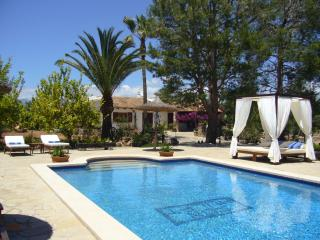 Beautiful country home with private pool, Llubí