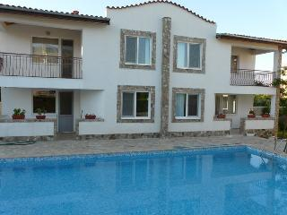 6 bed villa for 18 pers, 600 meters from the beac