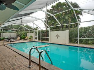 Huge Modern Pool Home!  Walk to Restaurants!, Fort Lauderdale