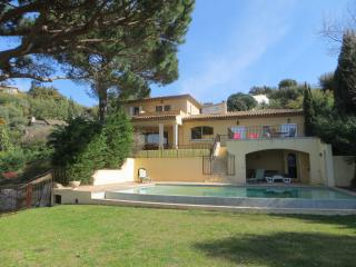 Superb villa for 12 guests Saint Tropez peninsula
