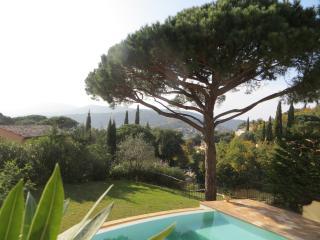Superb villa for 12 guests Saint Tropez peninsula