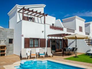 Villa ALADINO piscina y jacuzzi, playa Blanca, Playa Blanca