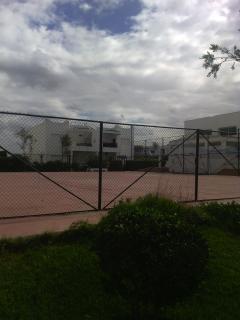 Terrain mini foot. Autres terrains pour tennis et paddles, basket et volley