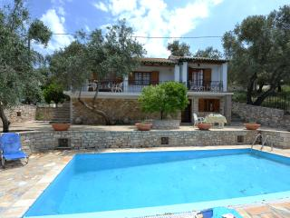 Villa Koukouli with Private Pool, Gáïos