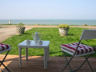 Beautiful  Maritime House right on Beach, Whitstable