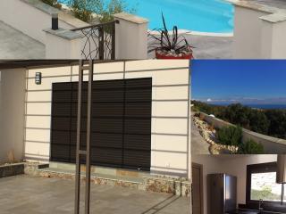 Villa de luxe mitoyenne T4 piscine, climatisé wifi, Santa Lucia di Moriani