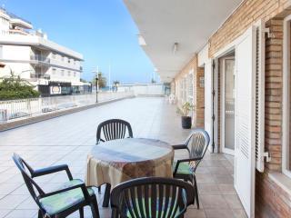 RIPOLL - Property for 6 people in PLAYA DE GANDIA, Grau de Gandia