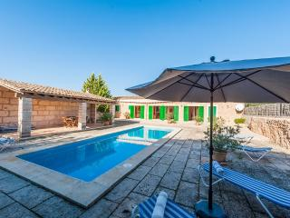 SON XORC - Villa for 6 people in CAMPOS