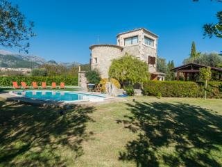 VELES DE CAN POMPA - Property for 9 people in SELVA, Selva
