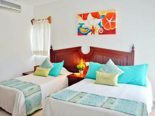 Beautiful Suite by the Ocean. Corales A 2BR Suite #04