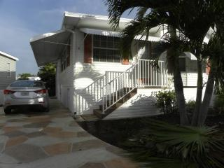 This is it !! - just 2 miles from Fort Myers Beach