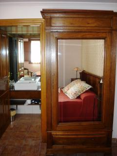 Habitación Matrimonial y Baño incorporado. Apartamento Playa de Barro
