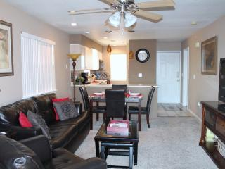 Branson Updated 2 Br/2 Ba WalkIn Condo/Indoor Pool