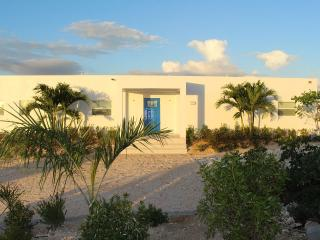 Come and enjoy the Modern, Tranquil, Providenciales