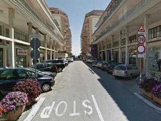Monolocale ristrutturato in piazza Marconi, Jesolo