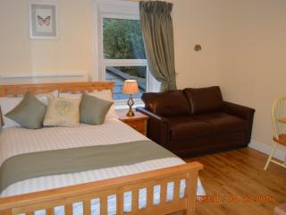 Bright and newly redecorated suitable for up to 3 people
