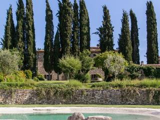CHARMING ANCIENT COUNTRY HOUSE, MONTALCINO, SIENA