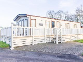 Carlton Meres 60026 - large Decking & Free Passes, Saxmundham