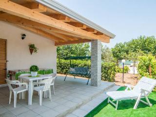 Casa a 20 passi dal mare piu bello della Sicilia orientale.
