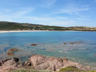 APPARTAMENTO IN VILLA A 30 METRI DALLA SPIAGGIA, Isola Rossa
