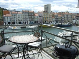 1 Bed Apart + Terrace + Parking in Sete with Views