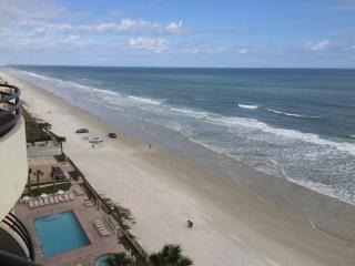 Leave The Cold And Have Breakfast On The Beach!, Daytona Beach