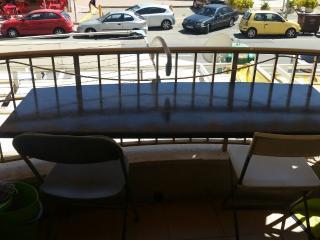 Salou Vilafortuny ocean-front pool, shops, train