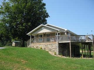 Watauga River Farm Cottage Vacation Rental, Johnson City