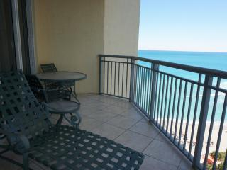 DOUBLE TREE BY HILTON 1/1 ON 16TH FL, Sunny Isles Beach
